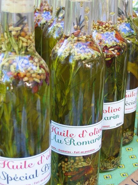 Aceites aromatizados. Imagen: Jenny Downing en Flickr (CC-BY-2.0)