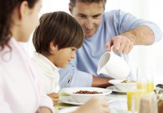 Menú controlado en proteínas. Mesa familiar.