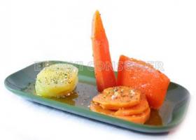 Escabeche de hortalizas, naranjas y patata. Foto: Consumer Eroski