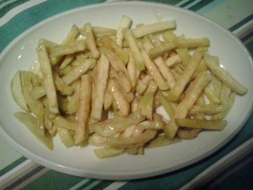 Palitos de berenjena fritos
