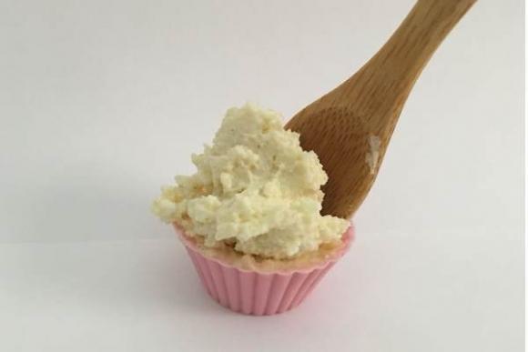 Keto-tentempié dulce con queso crema