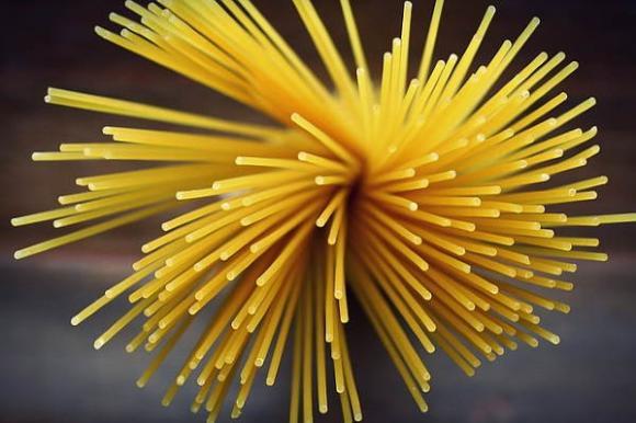 Espaguetis con salsa de pera