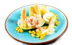 Ensalada de patata, albaricoque y maíz. Imagen: Consumer Eroski