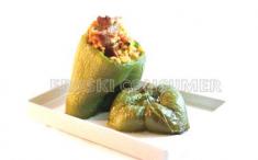 Pimientos verdes rellenos de arroz y pavo. Foto: Consumer Eroski