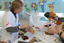Musicoterapia en el Hospital Sant Joan de Déu - Barcelona. Foto: HSJD